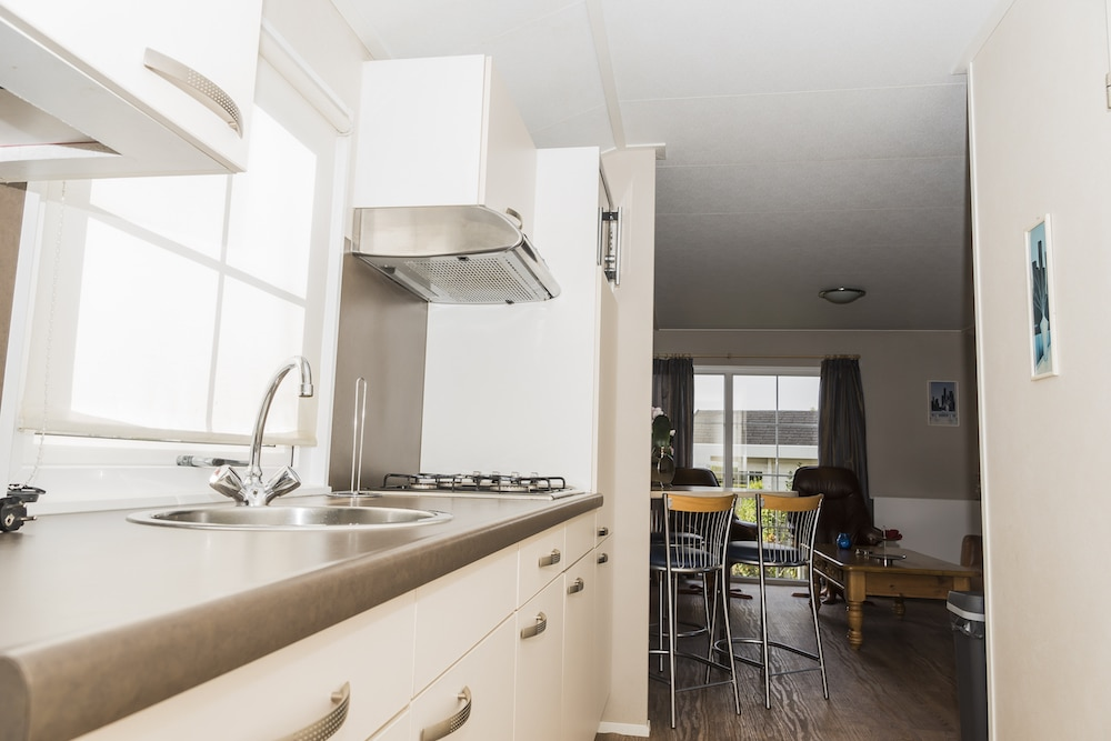 Krabbenkreek-Chalet-6-Keuken